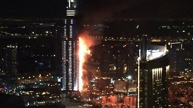שריפת ענק פרצה במלון בן 60 קומות בדובאי