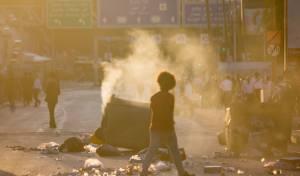 מחאת האתיופים: מפגינים קפצו על רכב, שוטרים פצועים