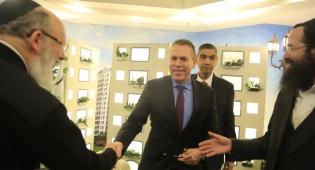 השר ארדן עם יזמי העיר העתידית החרדית