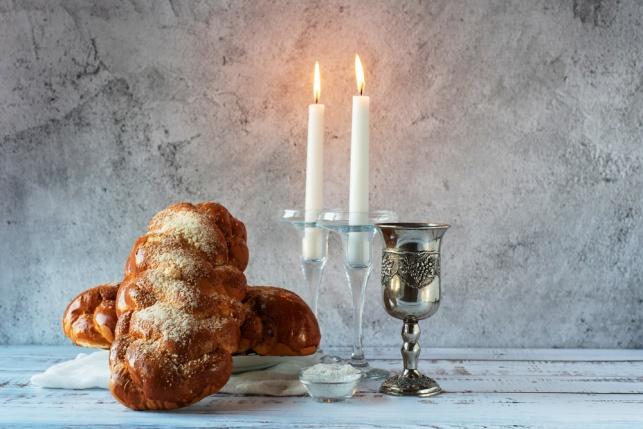 זמני הדלקת הנרות ויציאת שבת בראשית