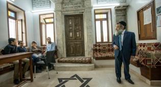 בית כנסת בתוניסיה. ארכיון - מפקד המשטרה שמר על בית הכנסת ונדקר