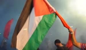 בלב מאה שערים: הוסרו דגלי פלסטין