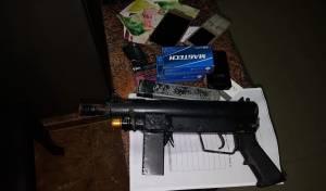 נשק מאולתר בלתי חוקי וכספי טרור רבים