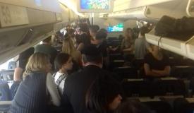היו במירון; כעת תקועים במטוס בדרך ללונדון