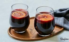 סנגריה על בסיס יין חם מתובל - למבוגרים בלבד - קוקטייל אירוח חורפי מתוחכם למבוגרים בלבד