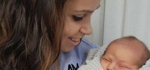 """אביטל טאובר ותינוקה. ניצלו בנס - """"לא מאמינה שאני חיה"""": נס של אם ותינוקה"""