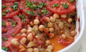 """פשטידת חצילים, חומוס ועגבניות - שכבות על שכבות: """"פשטידה"""" ים-תיכונית מעולה"""