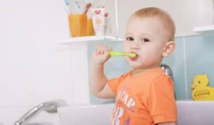 צחצוח שיניים לילדים. אילוסטרציה