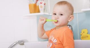 צחצוח שיניים לילדים. אילוסטרציה - צחצוח שיניים לילדים  –  כל מה שצריך לדעת