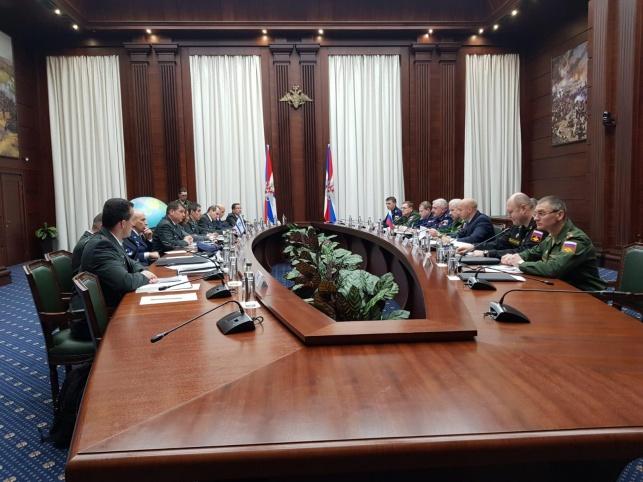 פגישה בין משלחת ישראלית צבאית לבכירים בצבא רוסיה