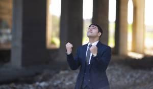 """ארי גולד בסינגל חדש וקצבי - """"צועקים"""""""