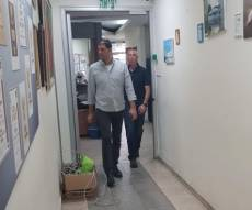 חוקרי המשטרה במשרד עיריית אלעד, הבוקר