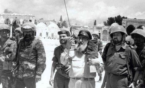 הרב שלמה גורן, בשיחרור הכותל - הכל על הרבנות הצבאית