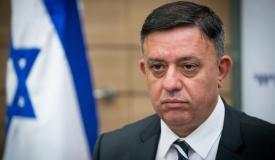 אבי גבאי מתפלל: מנהיג חשוב לכלל ישראל