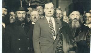 """הגרמ""""מ אפשטיין - משמאל, עם הראי""""ה קוק בעת מסע הרבנים לארצות הברית וקנדה"""