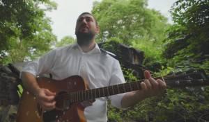 דניאל דייטשמן בסינגל נגד הסלולריים בבית
