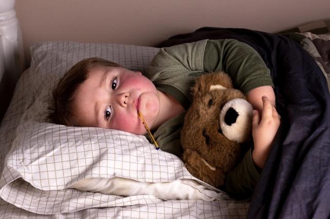 האם גם ילדים כדאי לחסן נגד שפעת? אילוסטרציה