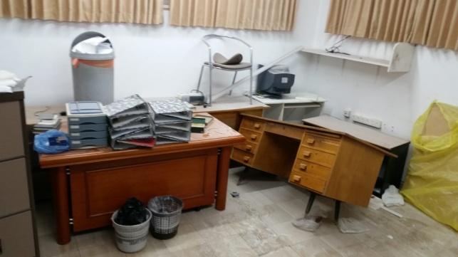 ונדליזם ב'מעלות'; השחיתו את משרדו של המנהל הוותיק