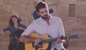 """אביאל סולטן בסינגל קליפ חדש: """"ידיד נפש"""""""