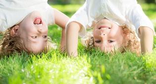 אילוסטרציה - ילדים מספרים על עצמם; נסו את זה בבית