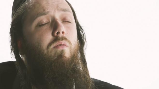"""יוסף ניוקם בסינגל מקפיץ: """"ניגון גאולה"""""""