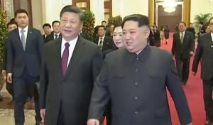 """קים ג'ונג און ערך """"ביקור לא רשמי"""" בסין"""
