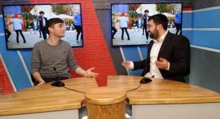 המבקר: כוכב הפופ מאיר גרין בראיון חושפני