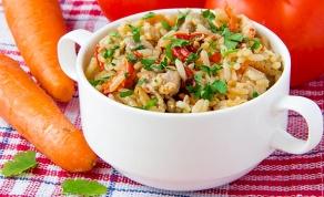 תבשיל אורז וירקות בריא