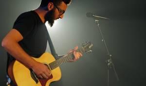 """אלנתן שלום בסינגל חדש: """"חוטי האמונה"""""""