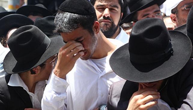 דמעות בהלוויה (צילום: מאיר אלפסי)