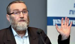 """גפני על הפגנת הקנאים: """"נגד הרבנים שלנו"""""""