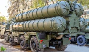 טילי S-300 במצעד צבאי ברוסיה