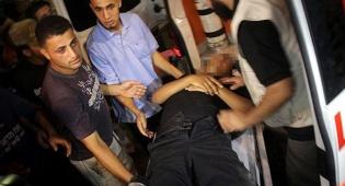 פצוע מפונה לבית החולים שיפא. ארכיון - בכיר חמאס נורה בראשו בביתו ברצועת עזה
