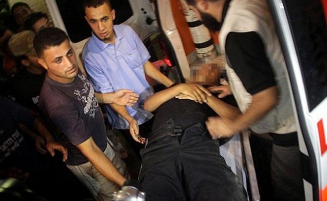 פצוע מפונה לבית החולים שיפא. ארכיון