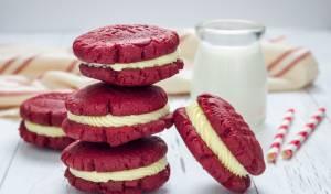 האדום האדום הזה: עוגיות סנדוויץ' אמריקאיות במילוי מפתיע