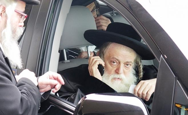 """תיעוד: האדמו""""רים חוזרים מניו יורק לישראל"""