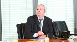 ינון שויקה, ראש מערך פאגי במסיבת העיתונאים - פאגי למען הציבור החרדי: תכנית בנקאית יחידה מסוגה