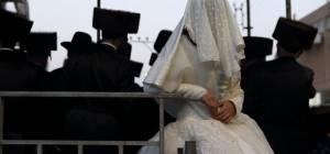 הפוסקים הכריעו: החתן והכלה יחללו שבת