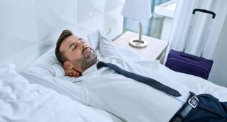 """ישנים כל יום אחה""""צ? הזהרו משבץ מוחי"""