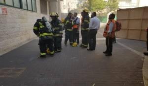 שריפה בבניין בגני גאולה; ילד נפצע קל