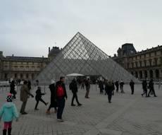 מוזיאון הלובר בפריז