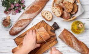 באגט צרפתי פריך מארבעה מרכיבים בלבד