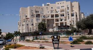 כיכר בעיר אלעד - חברת 'קווים' תפעיל את התחבורה באלעד