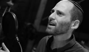 צבי גילה בסינגל חדש מהאלבום: ממעמקים