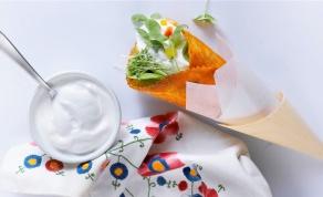 קונוס טורטיה פיקנטי במילוי גבינות ופלפלים - קונוס טורטיה פיקנטי במילוי גבינות ופלפלים