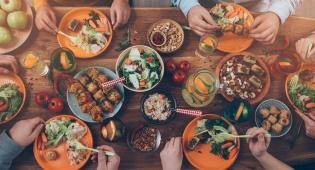 המדריך לתזונה נכונה לפני הצום ולאחריו. אילוסטרציה - לקראת צום תשעה באב: מה נאכל לפני ומה אחרי