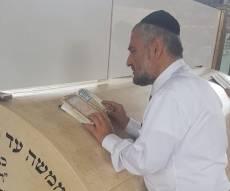 צפו: אבוטבול עלה להודות בקברי הצדיקים