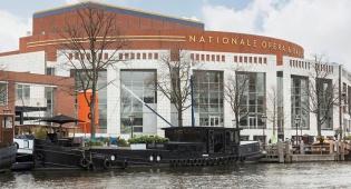 1.5 מיליון דולר, ויש לכם סירת מגורים באמסטרדם