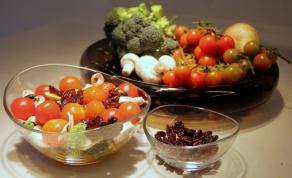 מרענן: סלט ברוקולי צבעוני
