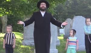 ה'משפיע' מזעזע בקליפ שצולם בבית קברות